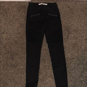 NWOT!! Tinseltown Black Stretchy Jeans